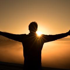 در وقت دعا و پرستش، روی ما به کدام سمت باشد؟
