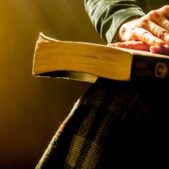 کلام خدا به این خاطر به ما داده شده است که بخوانیم و یاد بگیریم