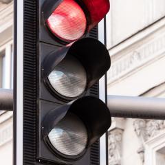 کمبود چراغهای راهنمایی ترافیکی در جادههای کابل